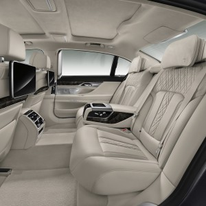 2016-BMW-7-Series-New55Carscoops