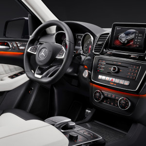 2016_mercedes-benz_gle_37_1920x1080